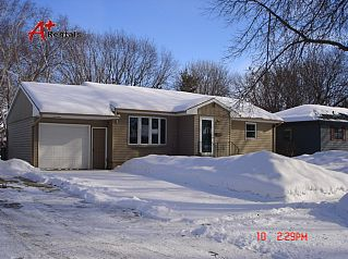 Three Bedroom House For Rent In Sioux Falls 3 Bedroom House 2273