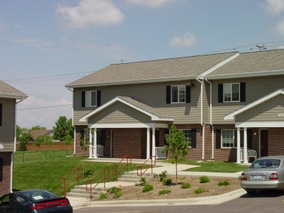 Apartment Rental Pictures And Renter And Auto Insurance Tip Brennan Hill Townhomes In Sioux