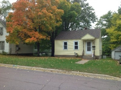 Charming 2 Bedroom House with Large Yard in Faribault 2 bedroom