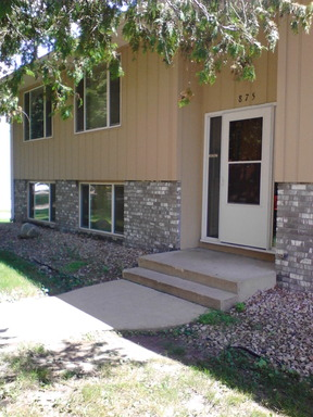Apartment Rental Pictures And Renter And Auto Insurance Tip 2 Bedroom In 4 Plex For Rent In
