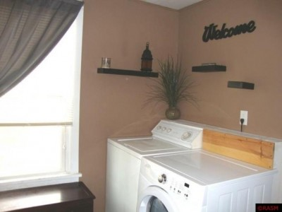 Apartment Rental Pictures And Renter And Auto Insurance Tip House For Rent Country Living