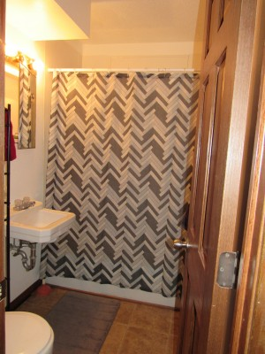Apartment Rental Pictures And Renter And Auto Insurance Tip 2 Bedroom Apartment College In